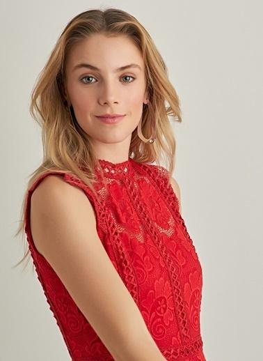 NGSTYLE Dantel Kolsuz Elbise Kırmızı